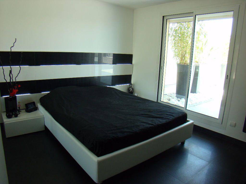 Appartement à vendre 4 108.8m2 à Villeneuve-Loubet vignette-7