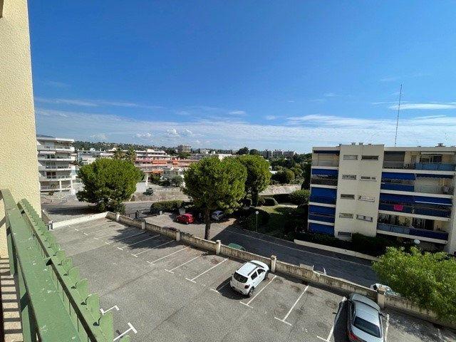 Appartement à louer 1 28.86m2 à Cagnes-sur-Mer vignette-1