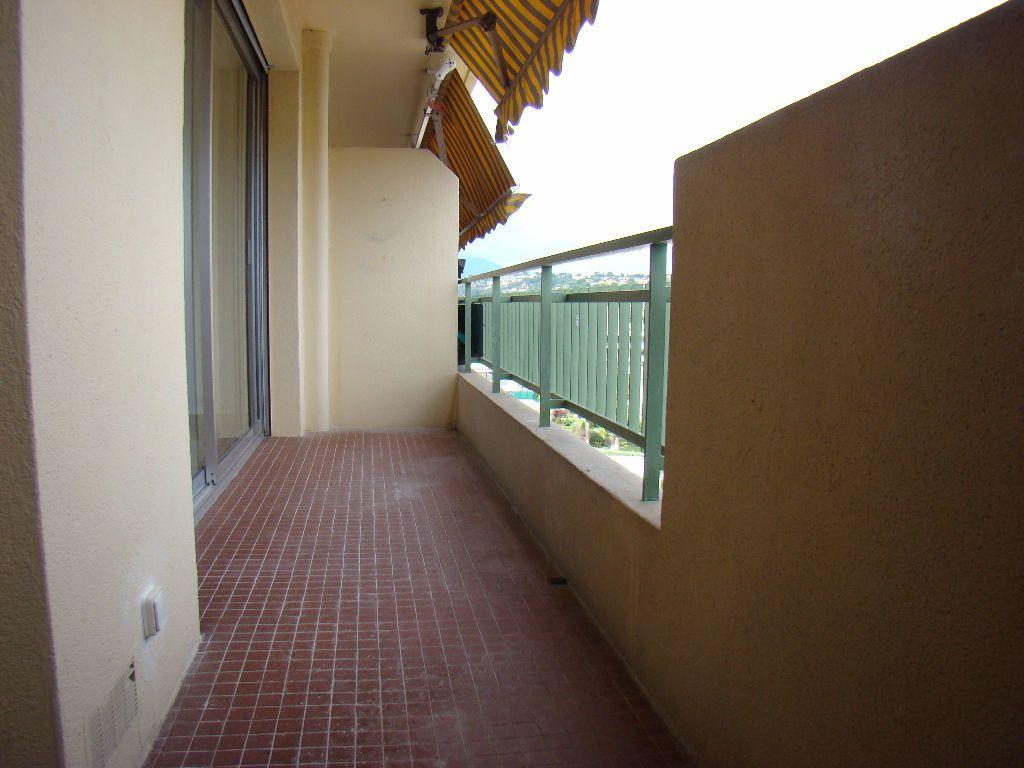 Appartement à louer 1 28.86m2 à Cagnes-sur-Mer vignette-3