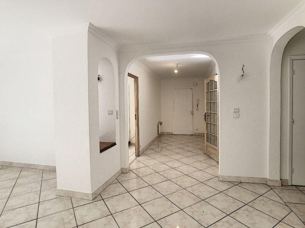 Appartement à louer 4 112.5m2 à Cagnes-sur-Mer vignette-3