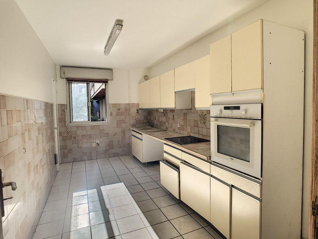 Appartement à louer 4 112.5m2 à Cagnes-sur-Mer vignette-5