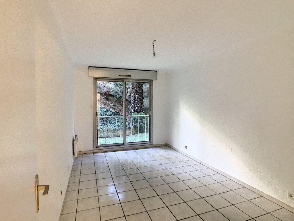 Appartement à louer 4 112.5m2 à Cagnes-sur-Mer vignette-6