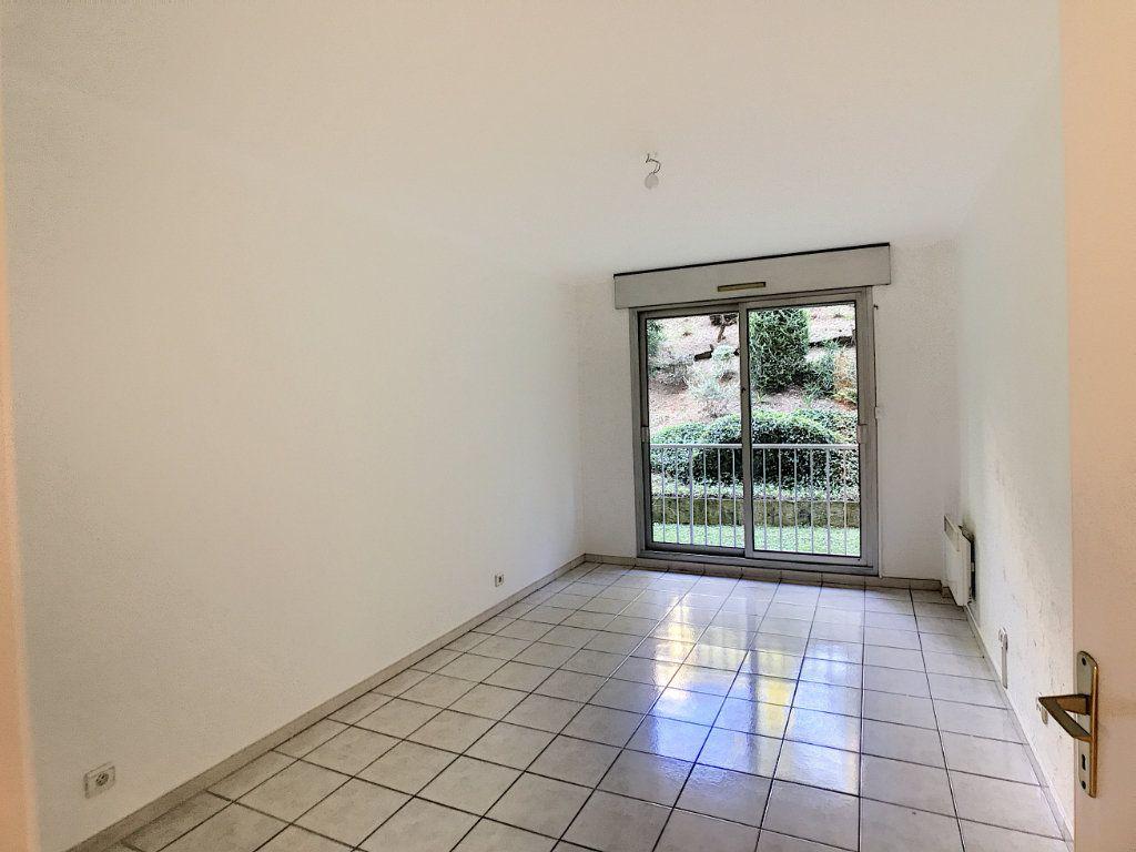 Appartement à louer 4 112.5m2 à Cagnes-sur-Mer vignette-8