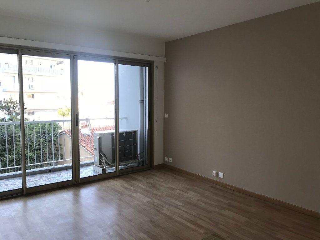 Appartement à louer 2 46.7m2 à Cagnes-sur-Mer vignette-2