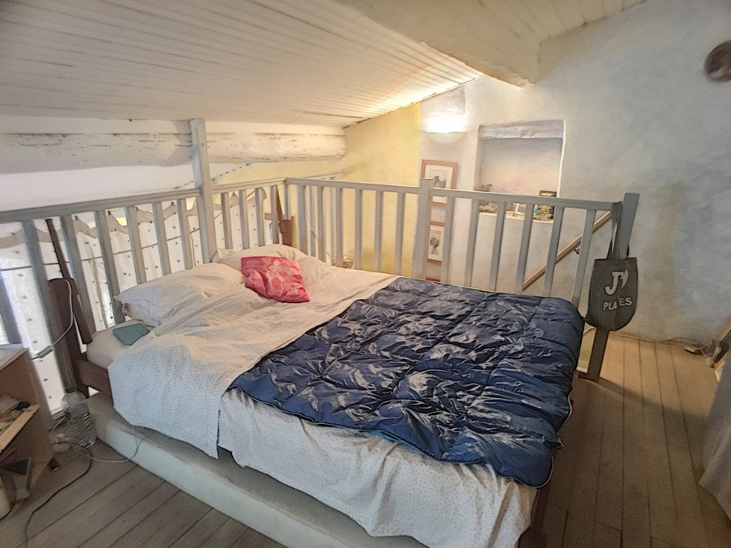 Maison à vendre 3 71m2 à Saint-Laurent-du-Var vignette-4
