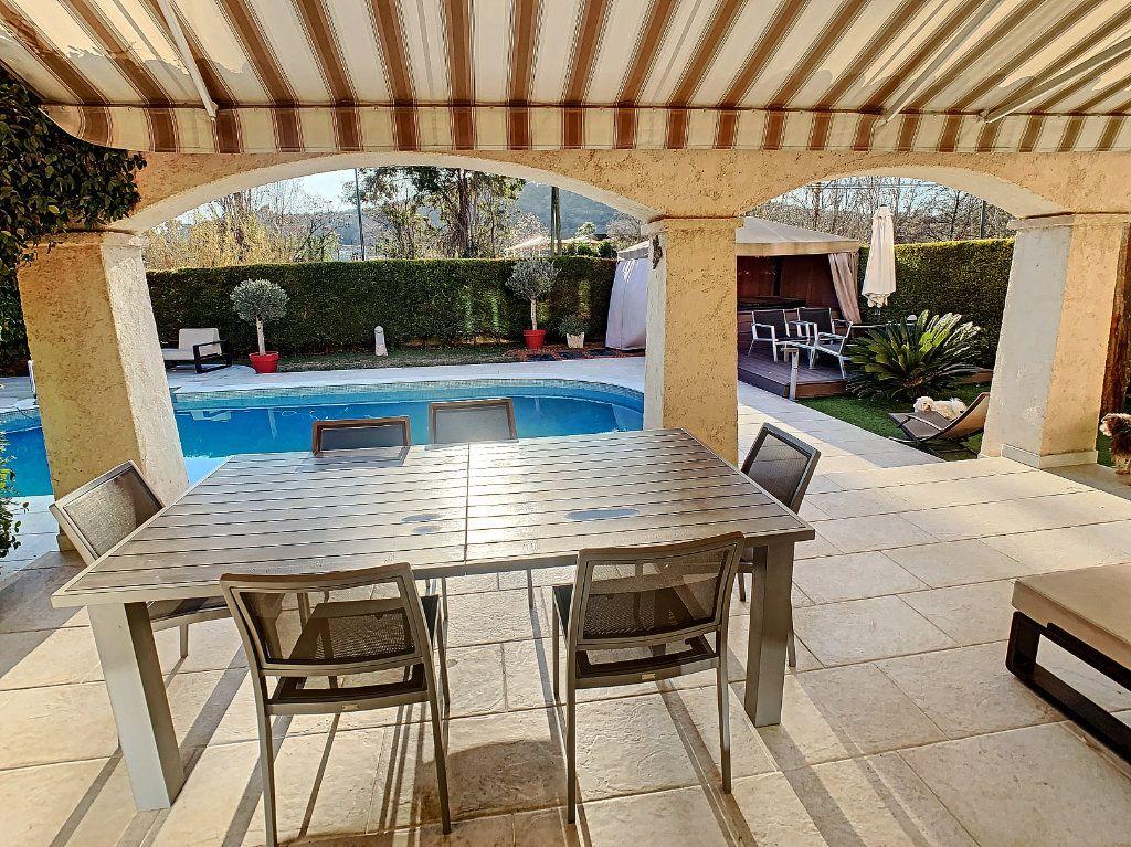 Maison à vendre 6 165.65m2 à Villeneuve-Loubet vignette-3