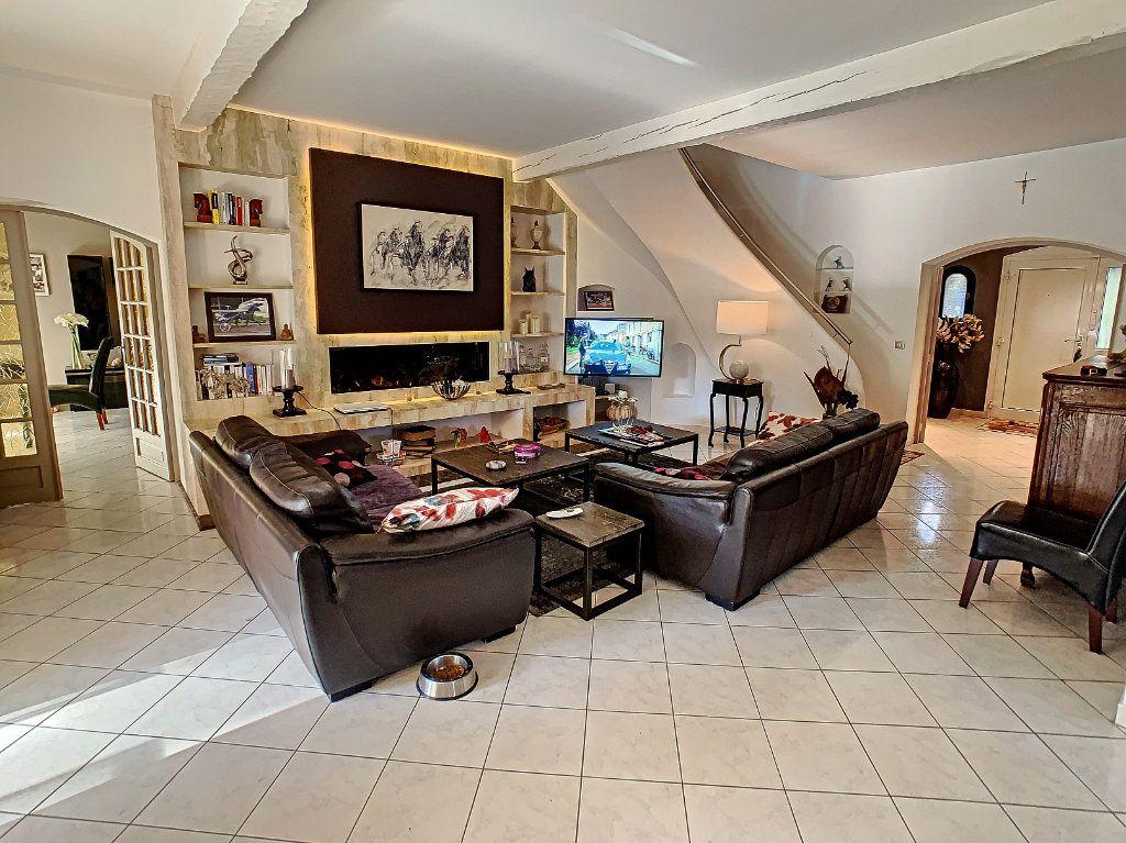 Maison à vendre 6 165.65m2 à Villeneuve-Loubet vignette-4