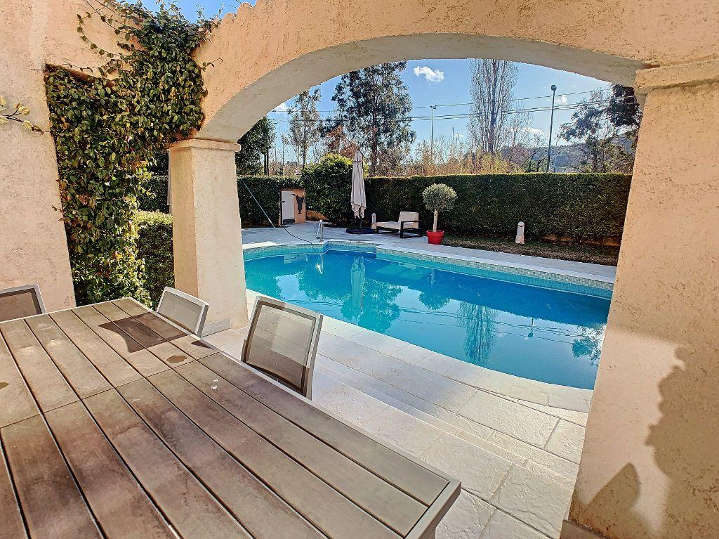 Maison à vendre 6 165.65m2 à Villeneuve-Loubet vignette-7