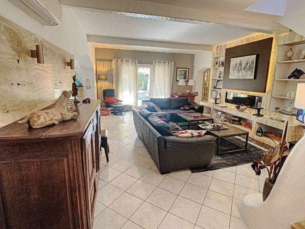 Maison à vendre 6 165.65m2 à Villeneuve-Loubet vignette-9