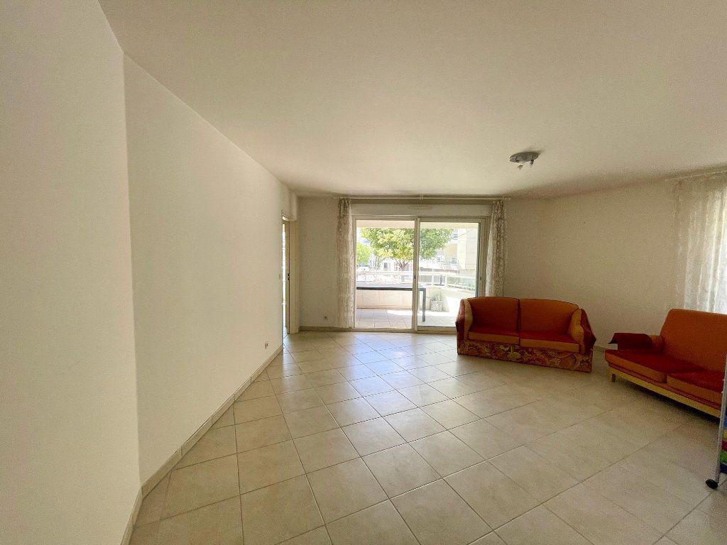 Appartement à vendre 4 81.58m2 à Cagnes-sur-Mer vignette-2