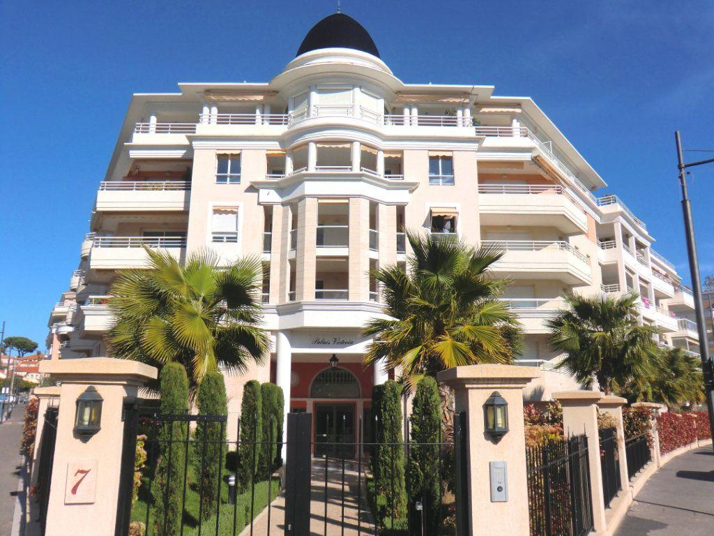 Appartement à vendre 4 81.58m2 à Cagnes-sur-Mer vignette-3