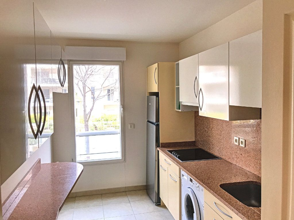 Appartement à vendre 4 81.58m2 à Cagnes-sur-Mer vignette-4