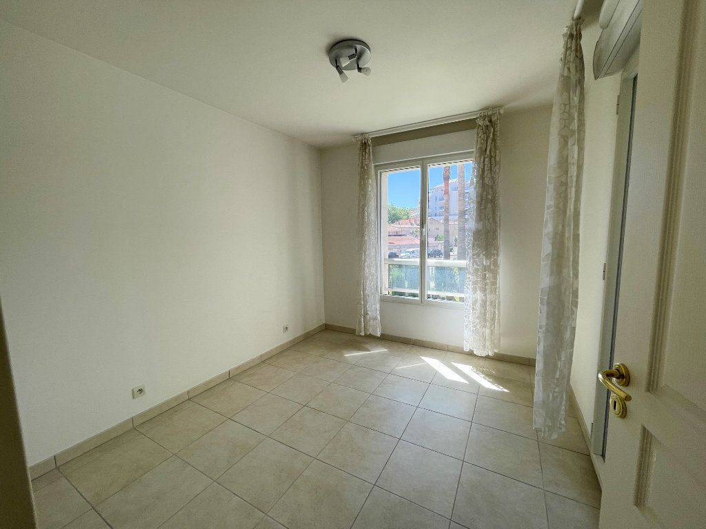Appartement à vendre 4 81.58m2 à Cagnes-sur-Mer vignette-5