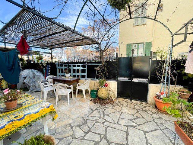 Maison à vendre 4 79m2 à Cagnes-sur-Mer vignette-1