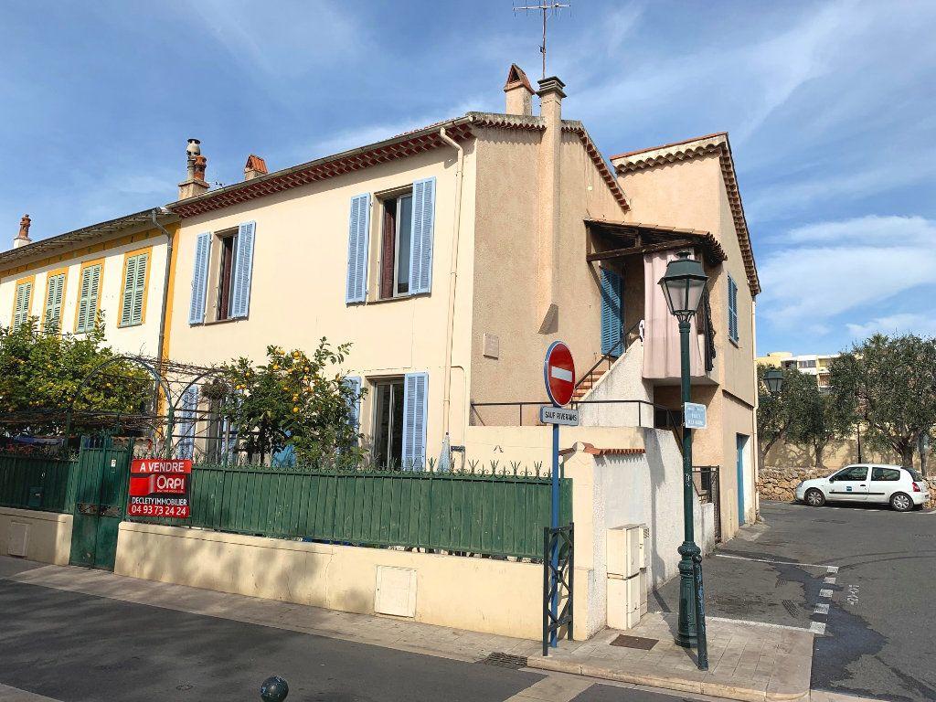 Maison à vendre 4 79m2 à Cagnes-sur-Mer vignette-2