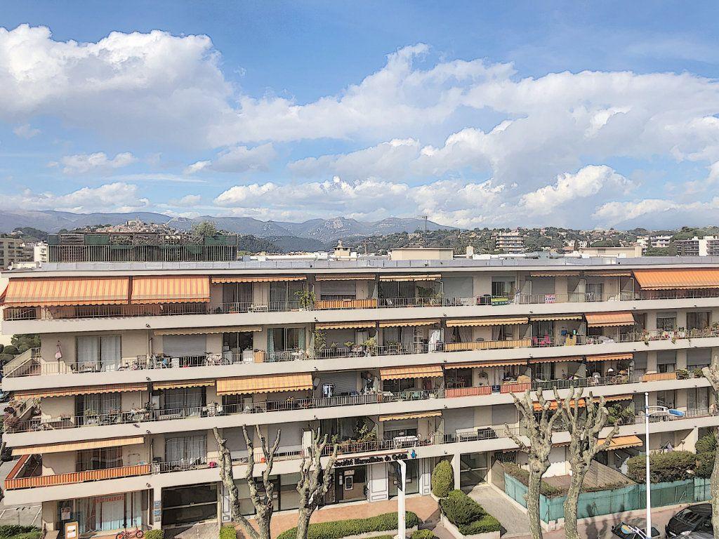 Appartement à vendre 1 37m2 à Cagnes-sur-Mer vignette-1