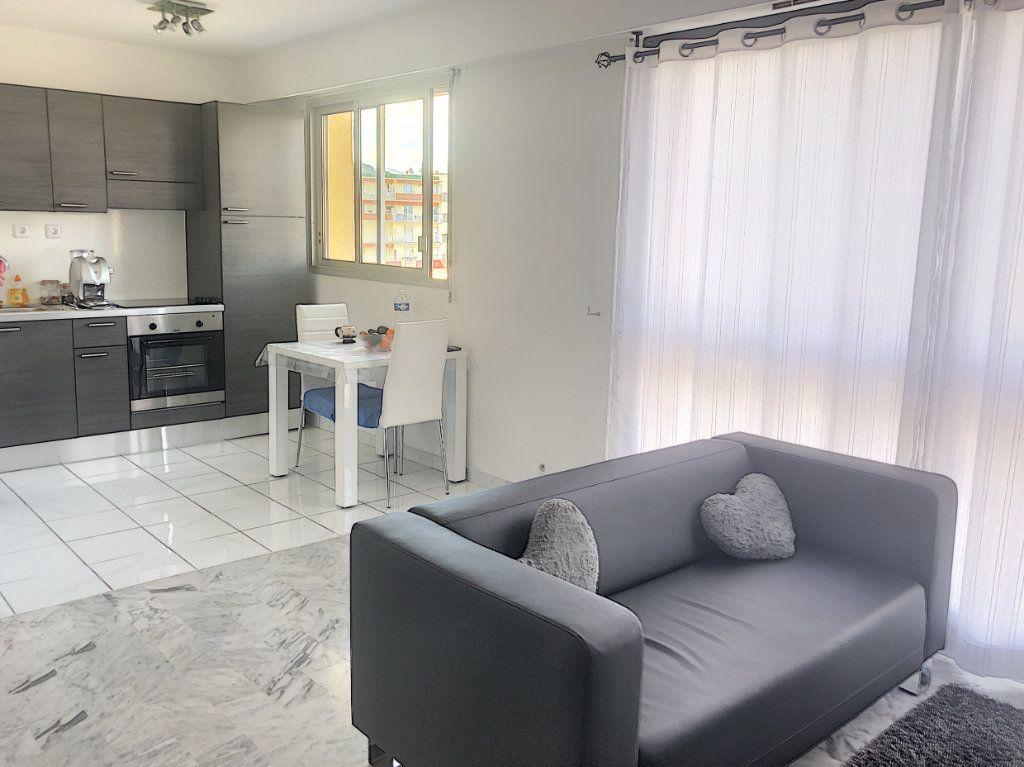 Appartement à vendre 1 37m2 à Cagnes-sur-Mer vignette-2