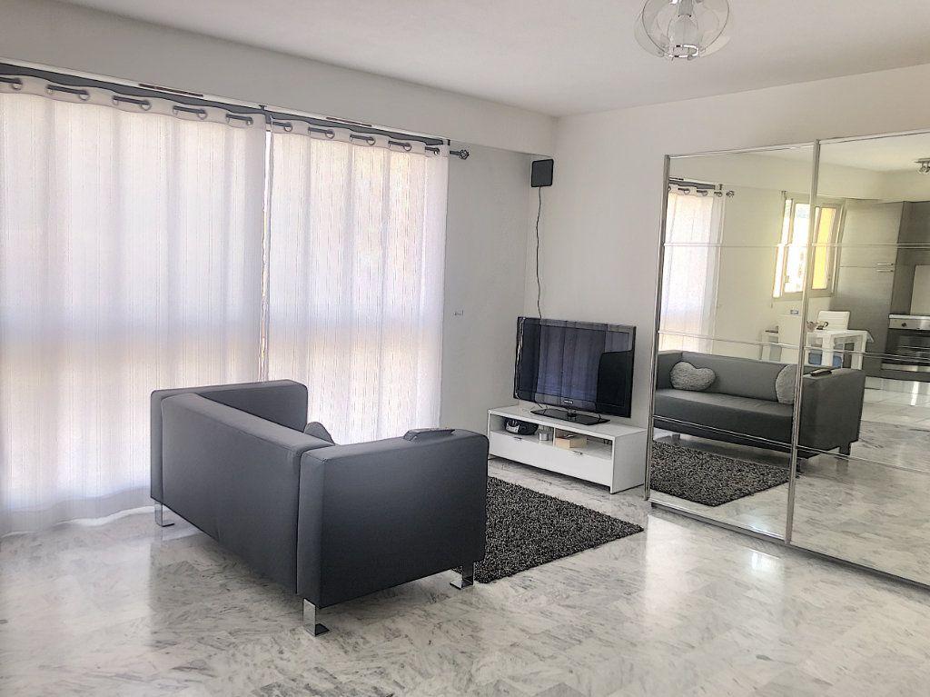 Appartement à vendre 1 37m2 à Cagnes-sur-Mer vignette-3