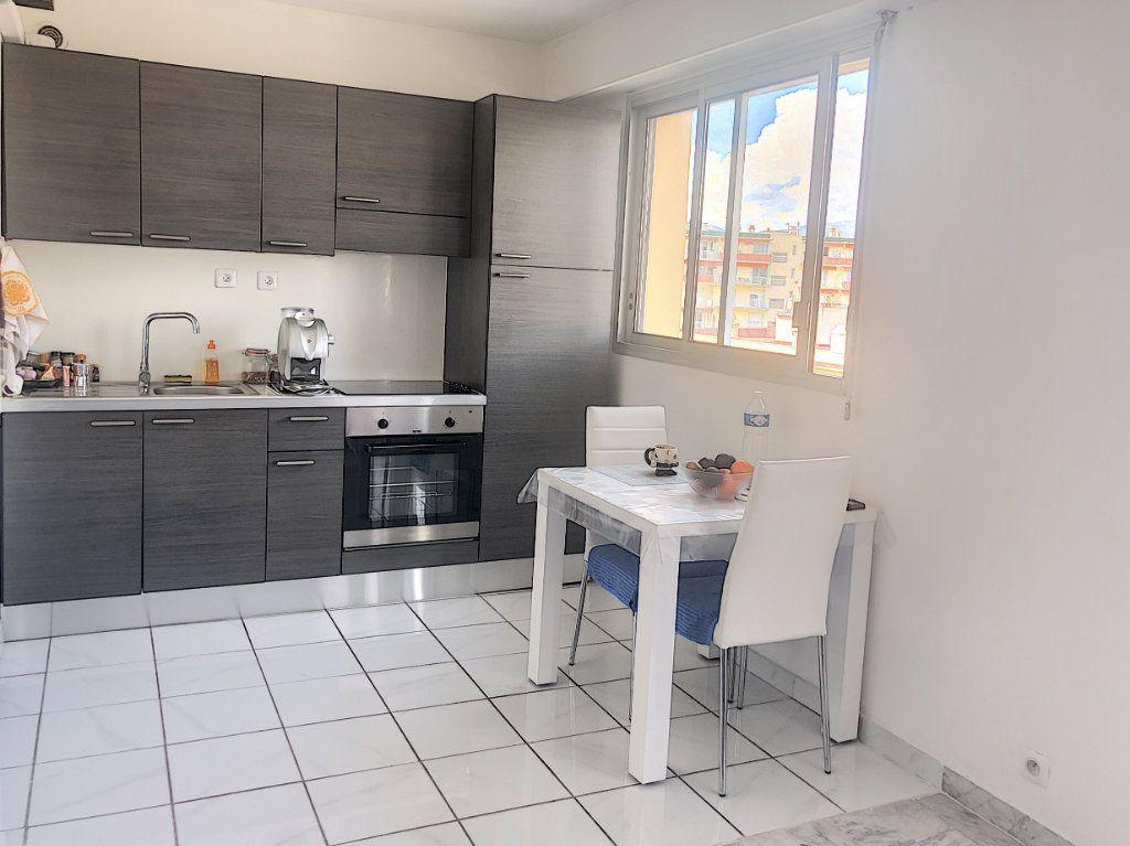 Appartement à vendre 1 37m2 à Cagnes-sur-Mer vignette-4