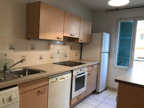 Appartement à louer 3 68.95m2 à Cagnes-sur-Mer vignette-4