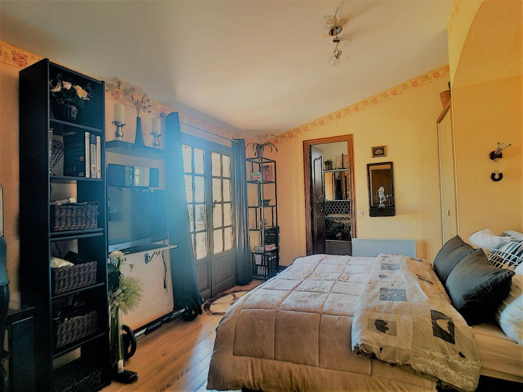 Maison à vendre 6 170m2 à Cagnes-sur-Mer vignette-6