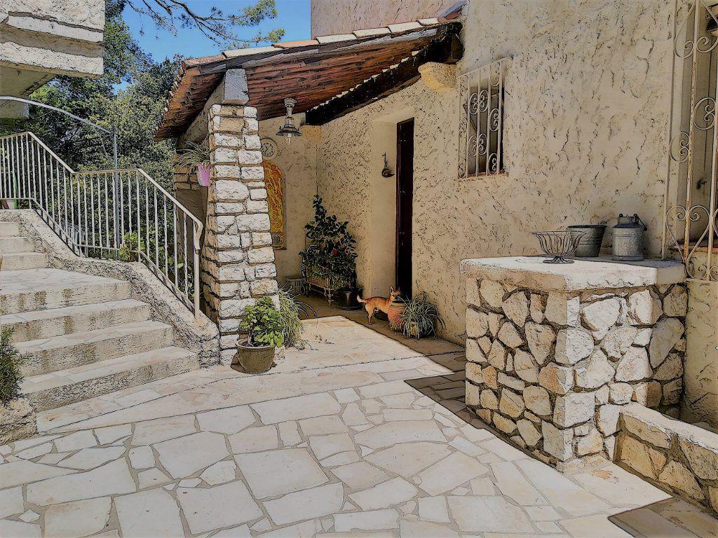 Maison à vendre 6 170m2 à Cagnes-sur-Mer vignette-9