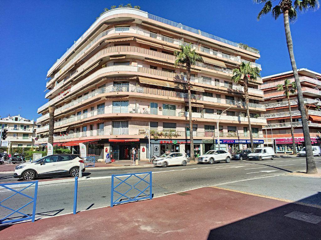 Appartement à vendre 4 90m2 à Cagnes-sur-Mer vignette-1