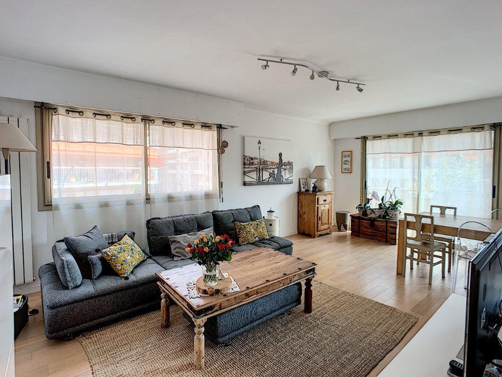 Appartement à vendre 4 90m2 à Cagnes-sur-Mer vignette-2