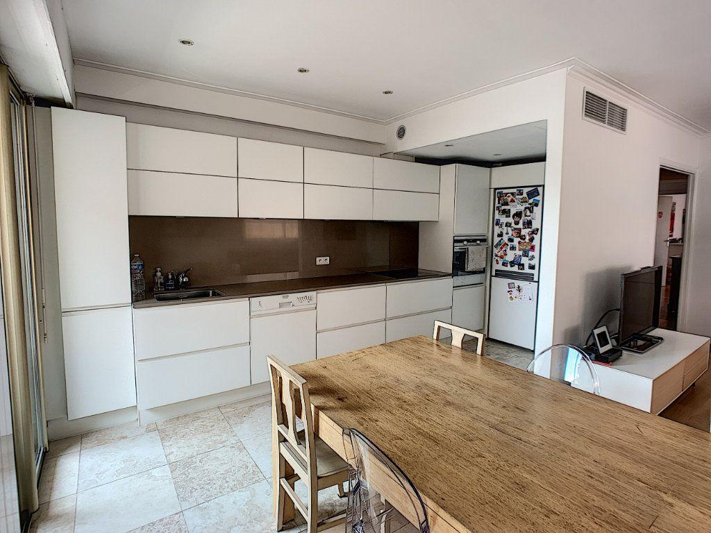 Appartement à vendre 4 90m2 à Cagnes-sur-Mer vignette-3