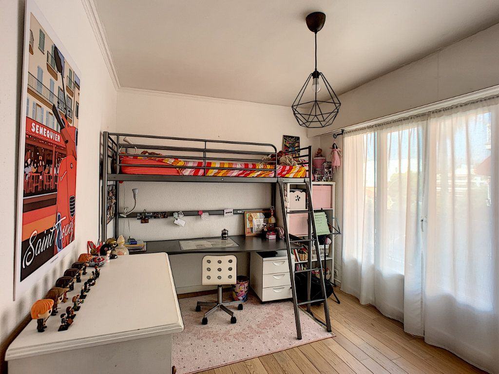 Appartement à vendre 4 90m2 à Cagnes-sur-Mer vignette-8