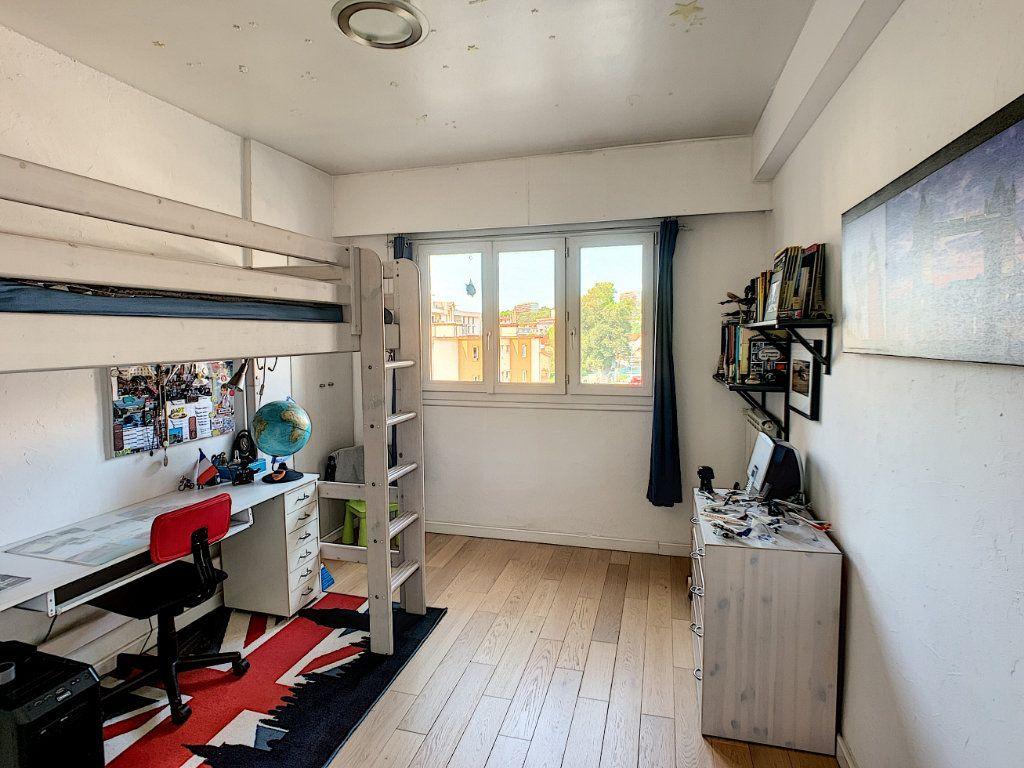 Appartement à vendre 4 90m2 à Cagnes-sur-Mer vignette-9