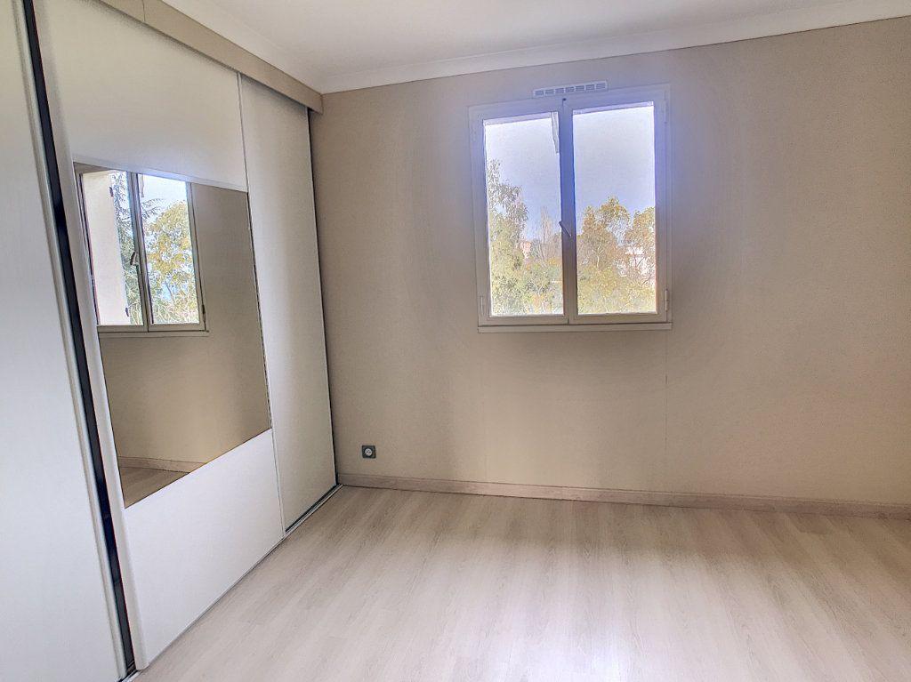 Appartement à vendre 2 48m2 à Villeneuve-Loubet vignette-5