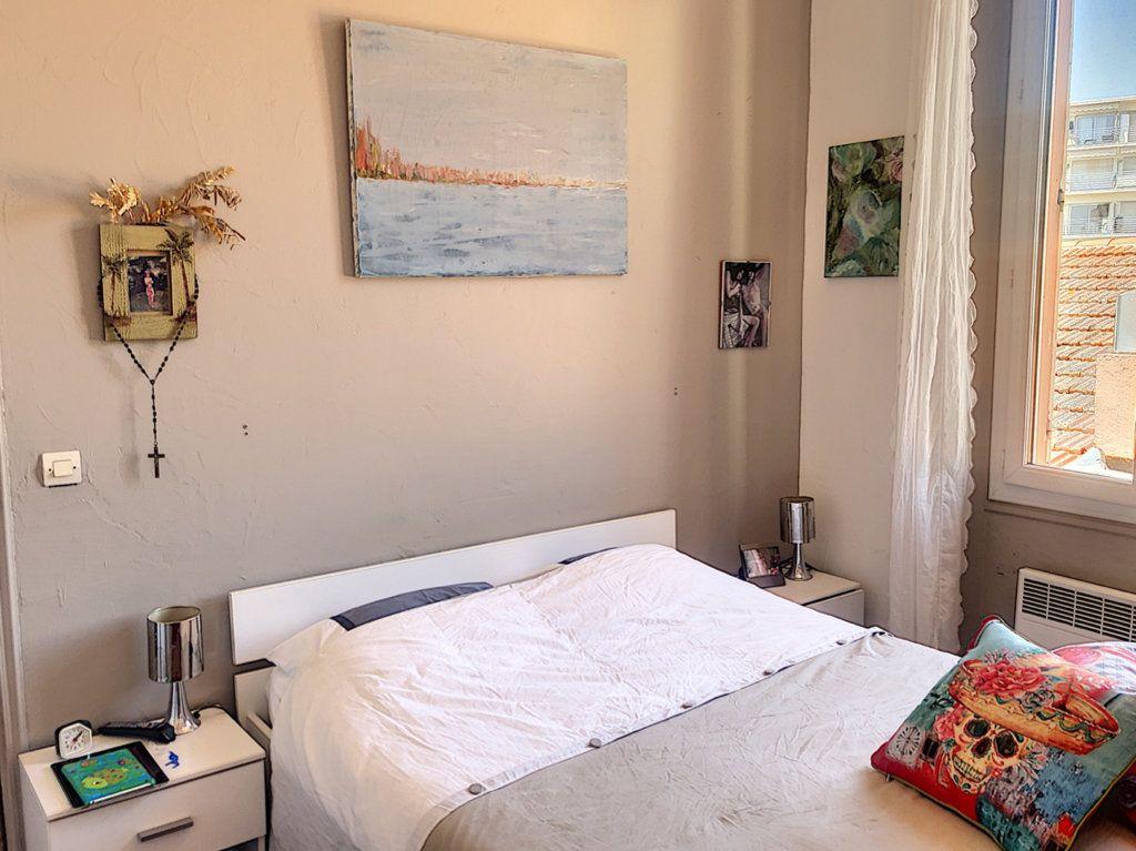 Appartement à vendre 3 65m2 à Cannes vignette-5