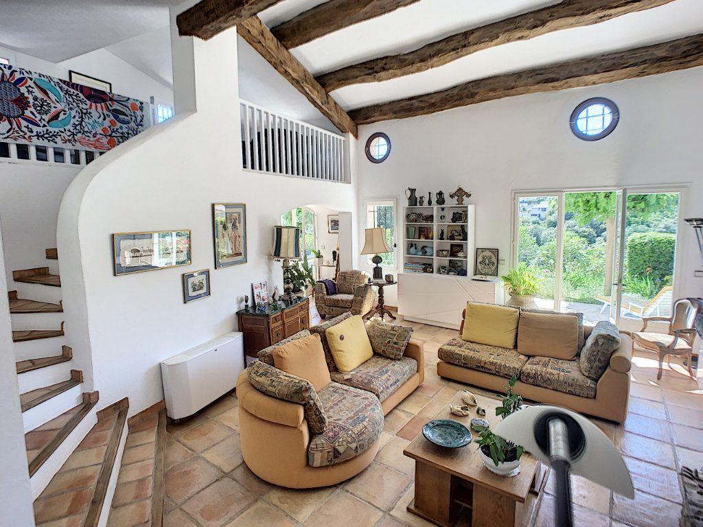 Maison à vendre 6 175m2 à La Gaude vignette-6