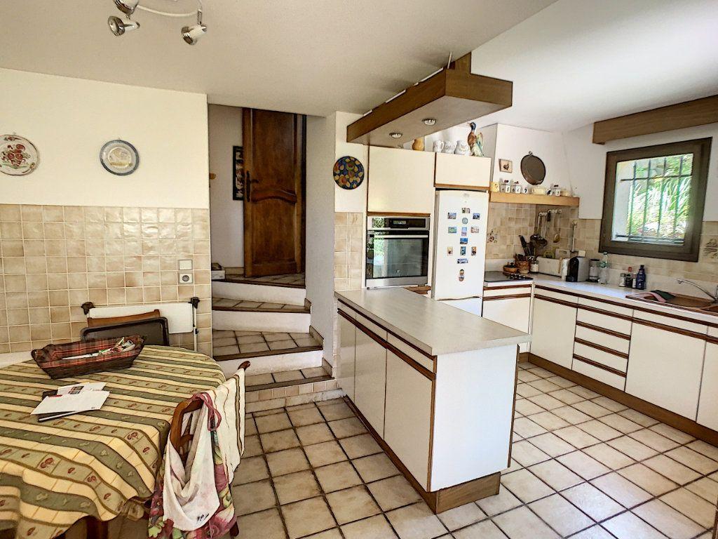 Maison à vendre 6 175m2 à La Gaude vignette-9