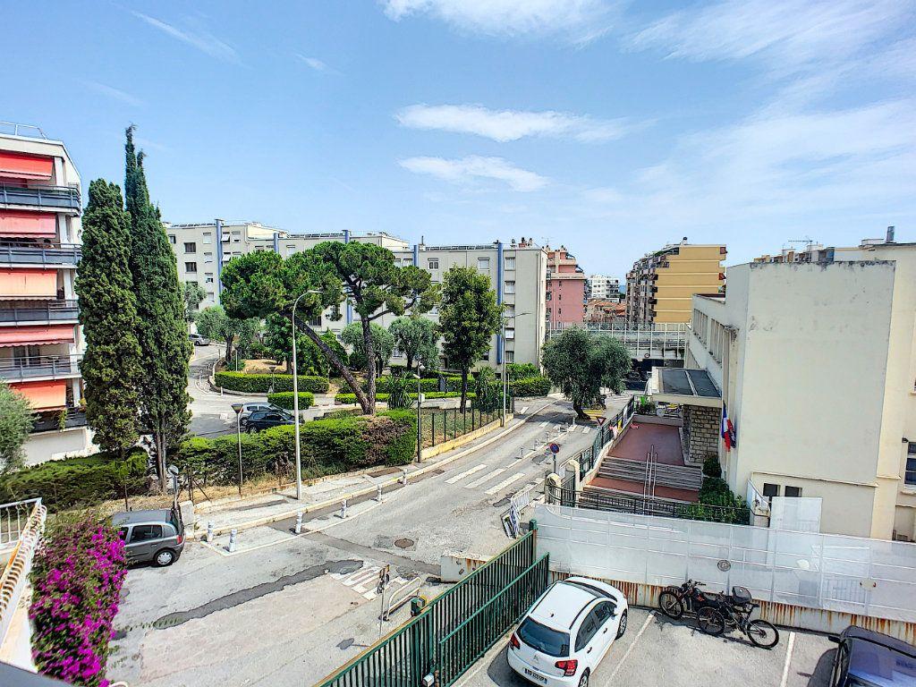 Appartement à vendre 2 50.46m2 à Nice vignette-1