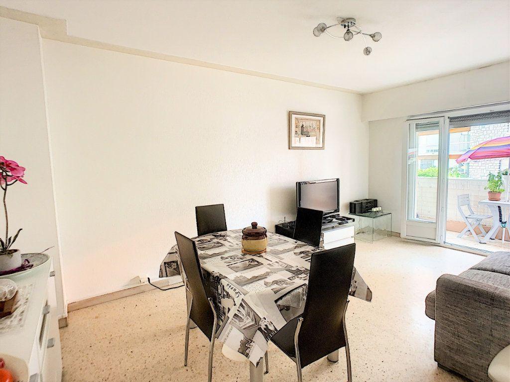 Appartement à vendre 2 45.8m2 à Cagnes-sur-Mer vignette-1