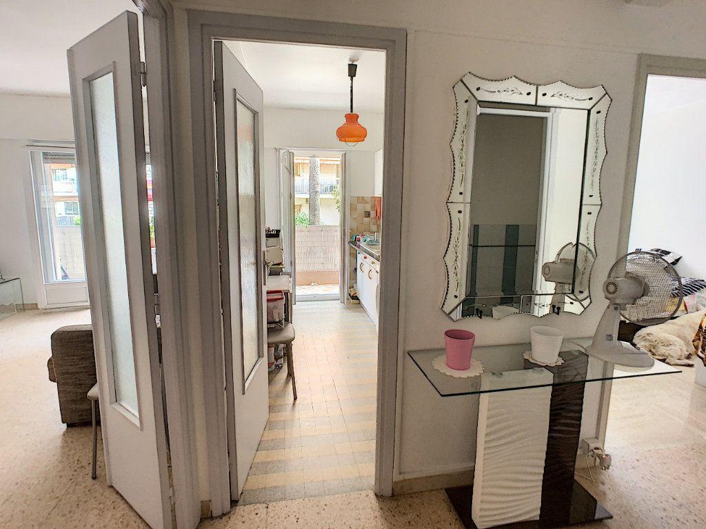 Appartement à vendre 2 45.8m2 à Cagnes-sur-Mer vignette-5