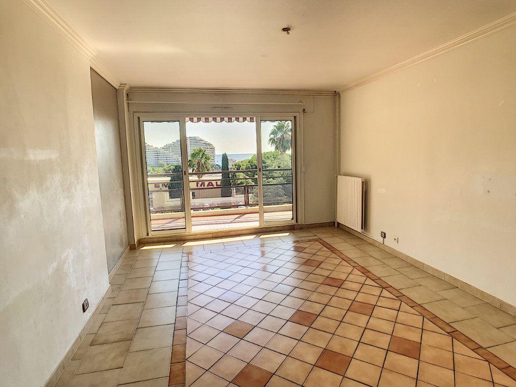 Appartement à vendre 3 66.1m2 à Villeneuve-Loubet vignette-3