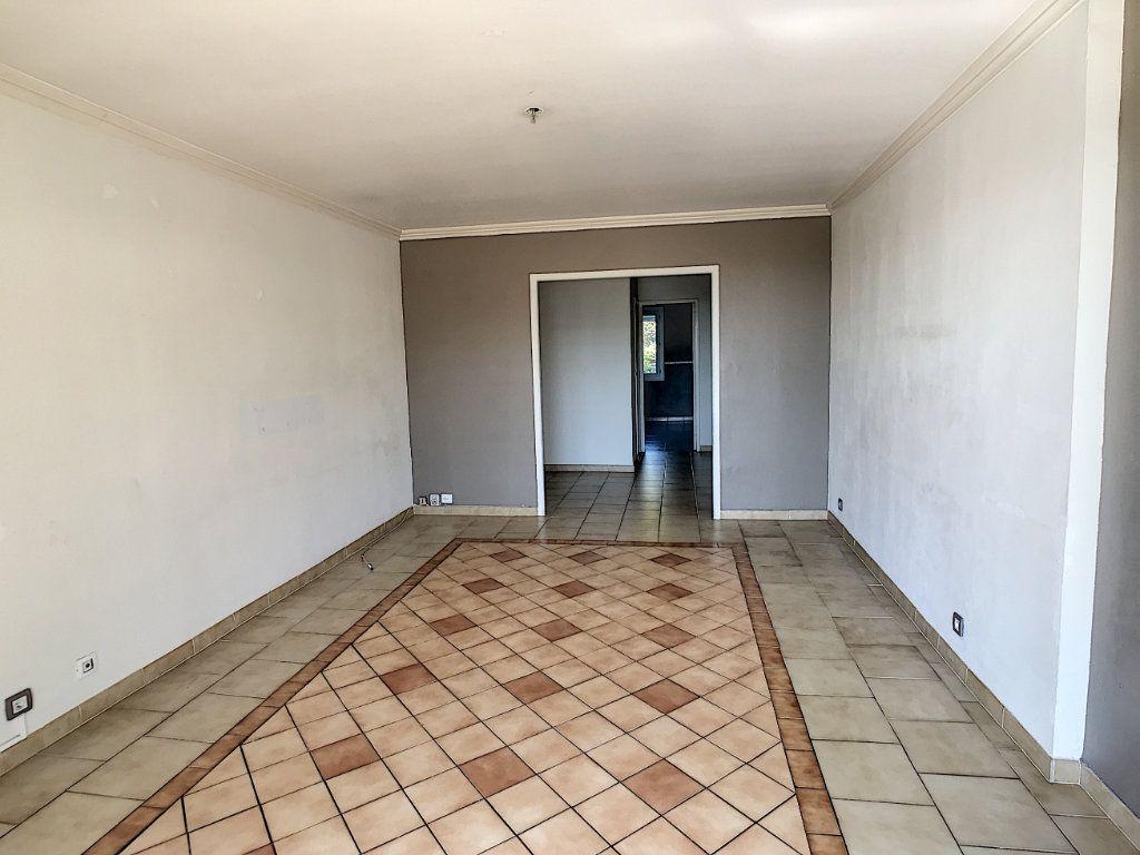 Appartement à vendre 3 66.1m2 à Villeneuve-Loubet vignette-4
