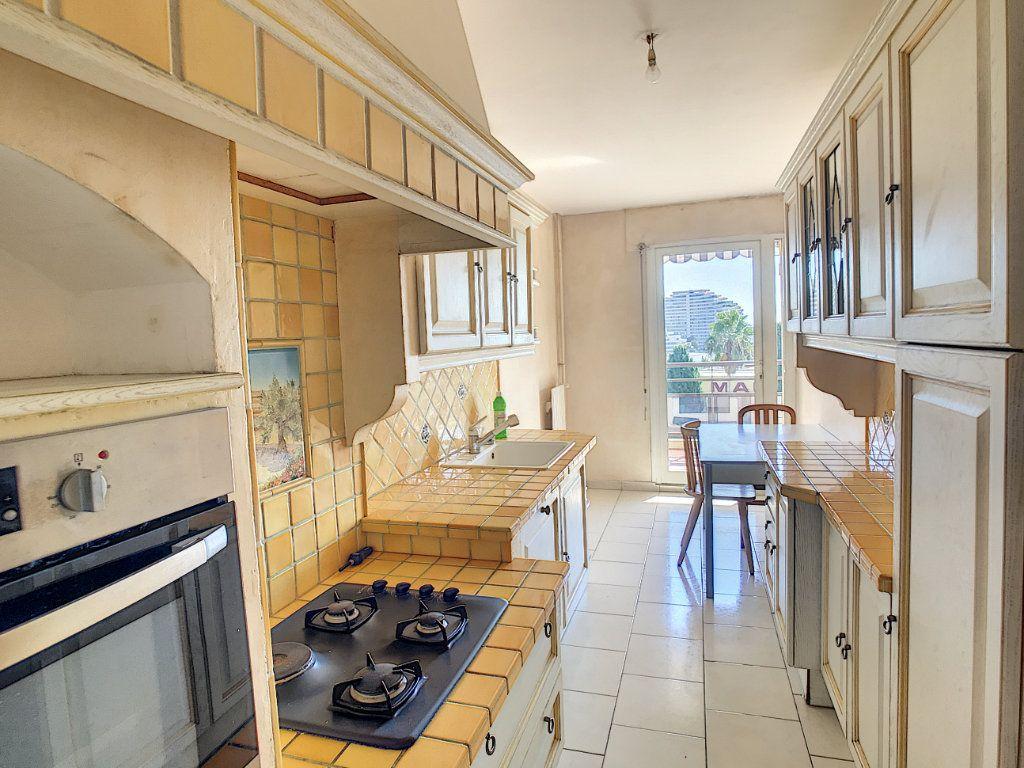Appartement à vendre 3 66.1m2 à Villeneuve-Loubet vignette-5