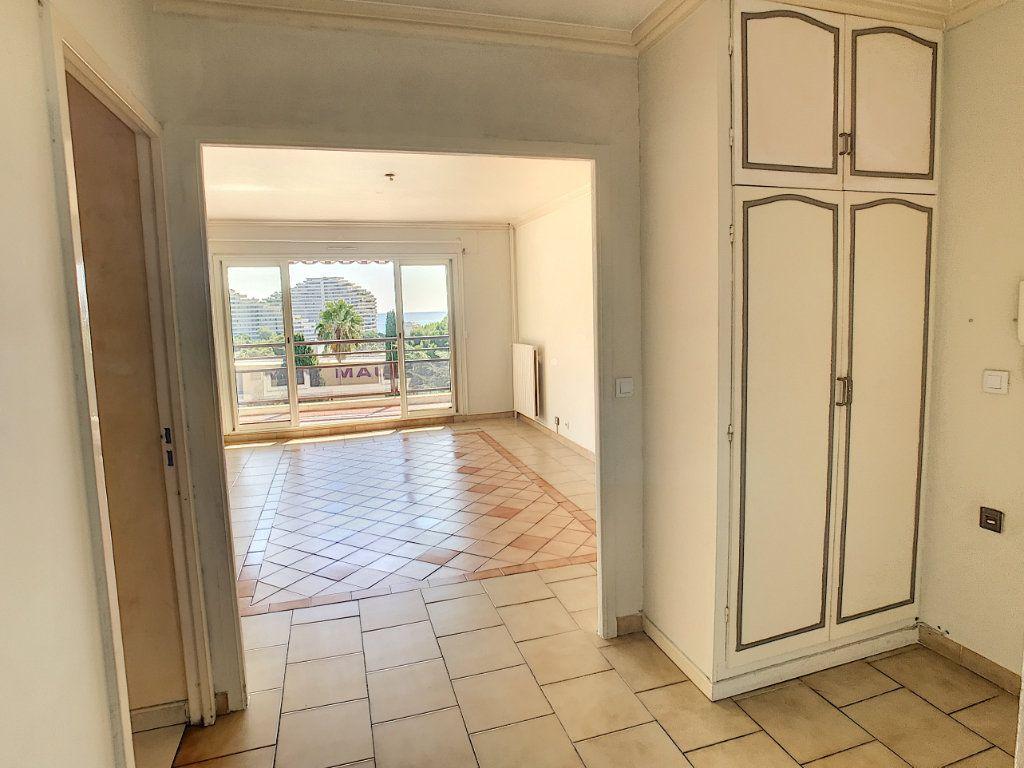 Appartement à vendre 3 66.1m2 à Villeneuve-Loubet vignette-9