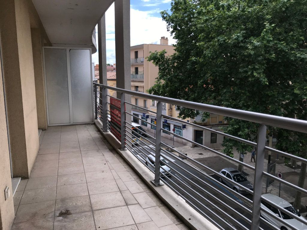 Appartement à louer 2 42.1m2 à Cagnes-sur-Mer vignette-1