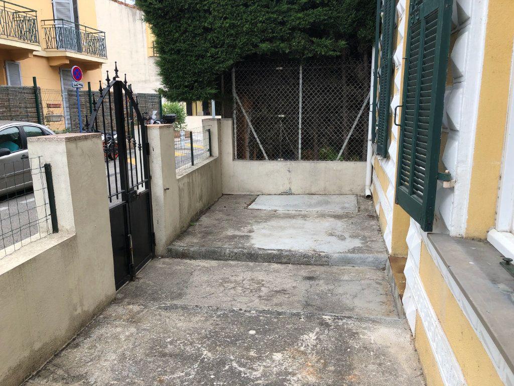 Appartement à louer 3 42.3m2 à Cagnes-sur-Mer vignette-2