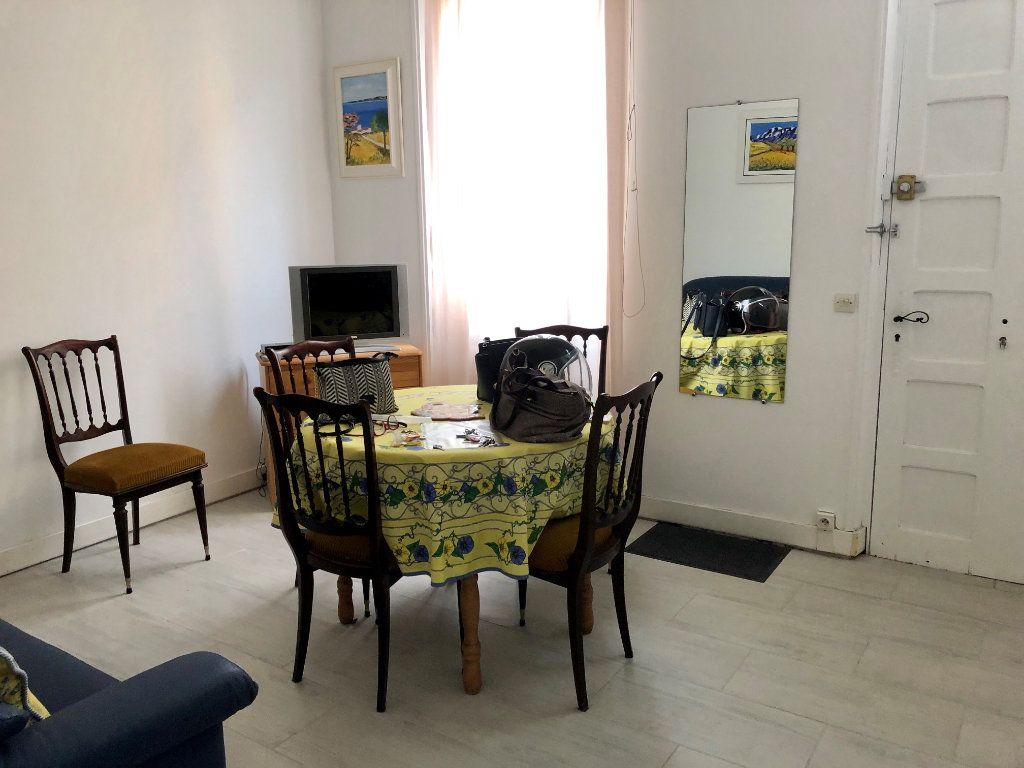 Appartement à louer 3 42.3m2 à Cagnes-sur-Mer vignette-3