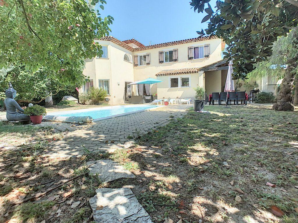 Maison à vendre 5 150m2 à Villeneuve-Loubet vignette-2