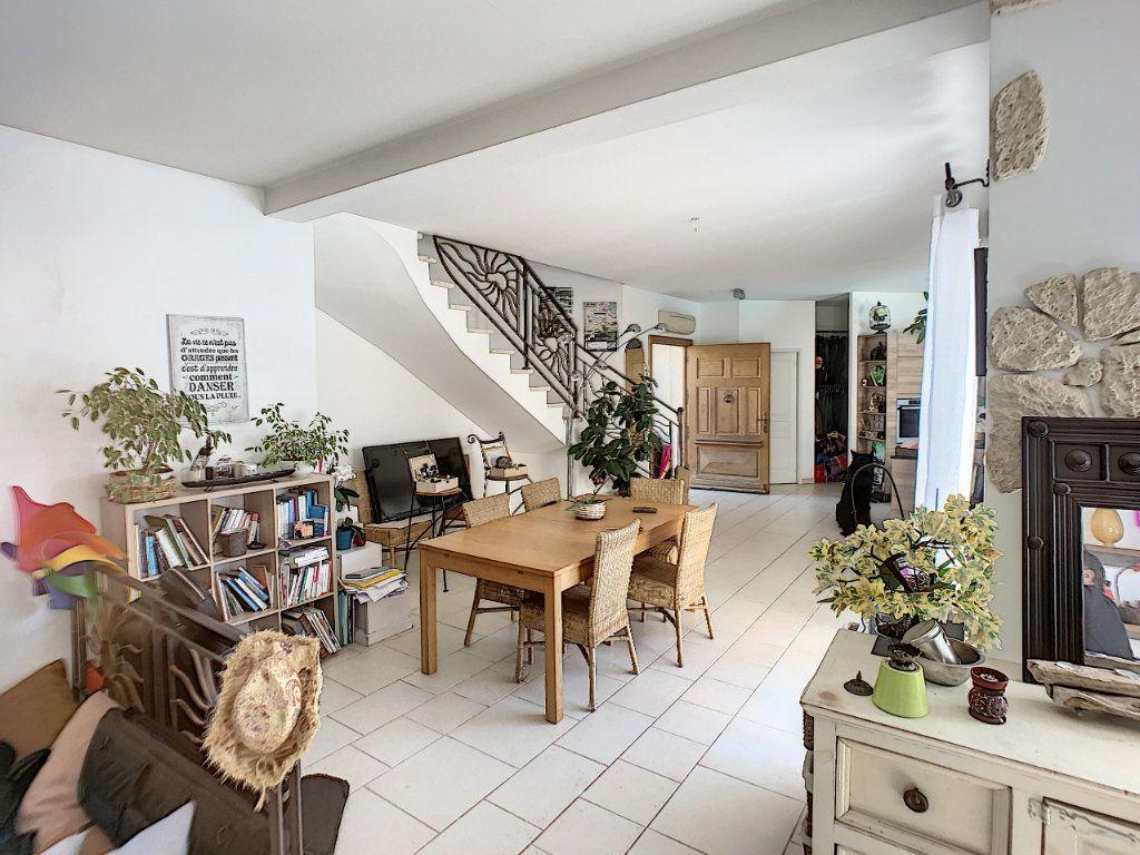 Maison à vendre 5 150m2 à Villeneuve-Loubet vignette-3