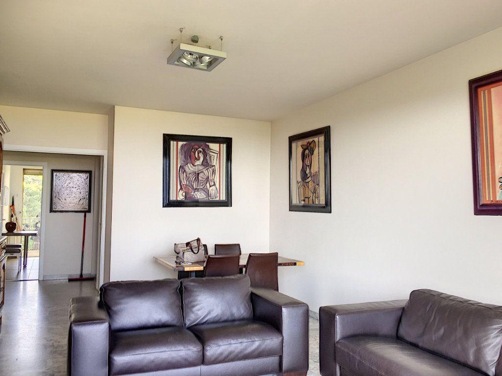 Appartement à louer 3 75m2 à Cagnes-sur-Mer vignette-2
