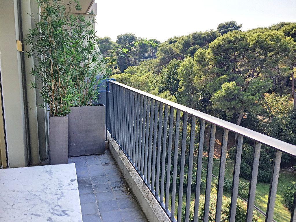 Appartement à louer 3 75m2 à Cagnes-sur-Mer vignette-4
