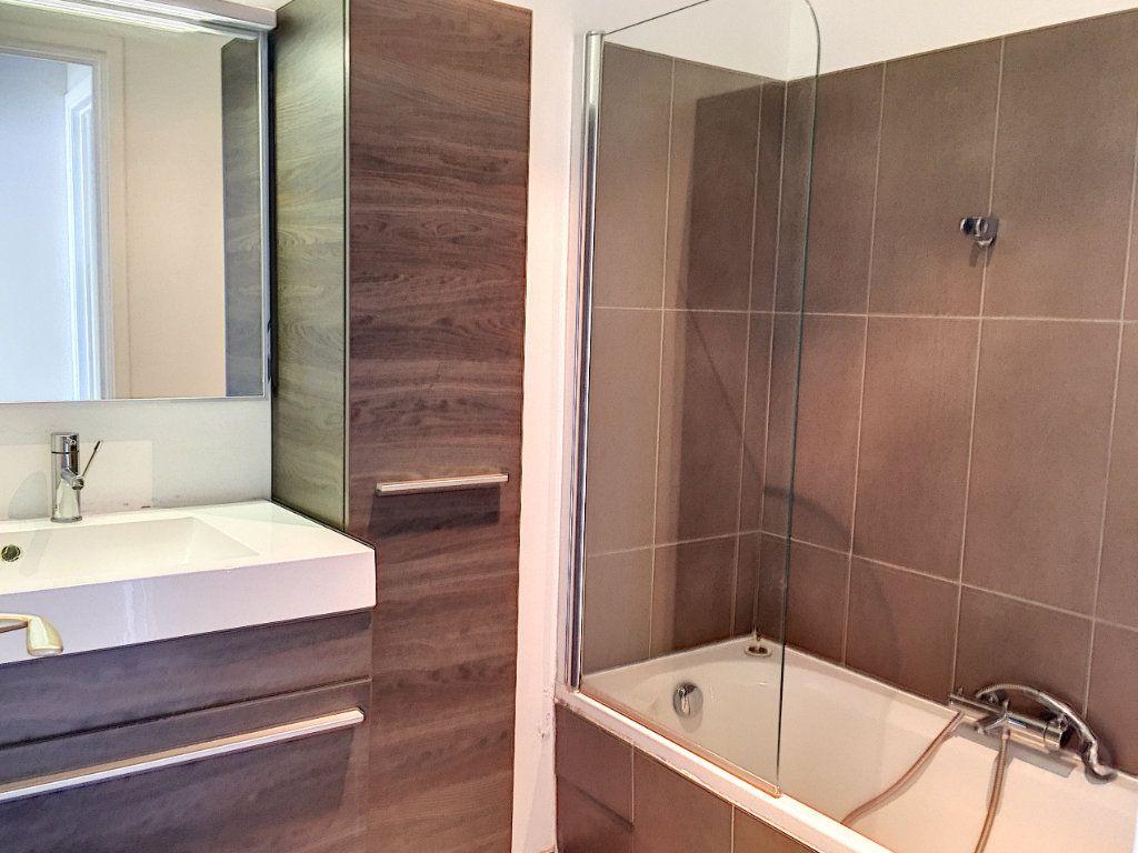Appartement à louer 3 75m2 à Cagnes-sur-Mer vignette-7